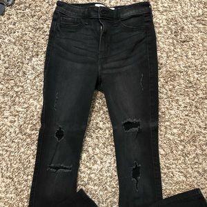 Black hollister skinny jeans. Size 5 short.